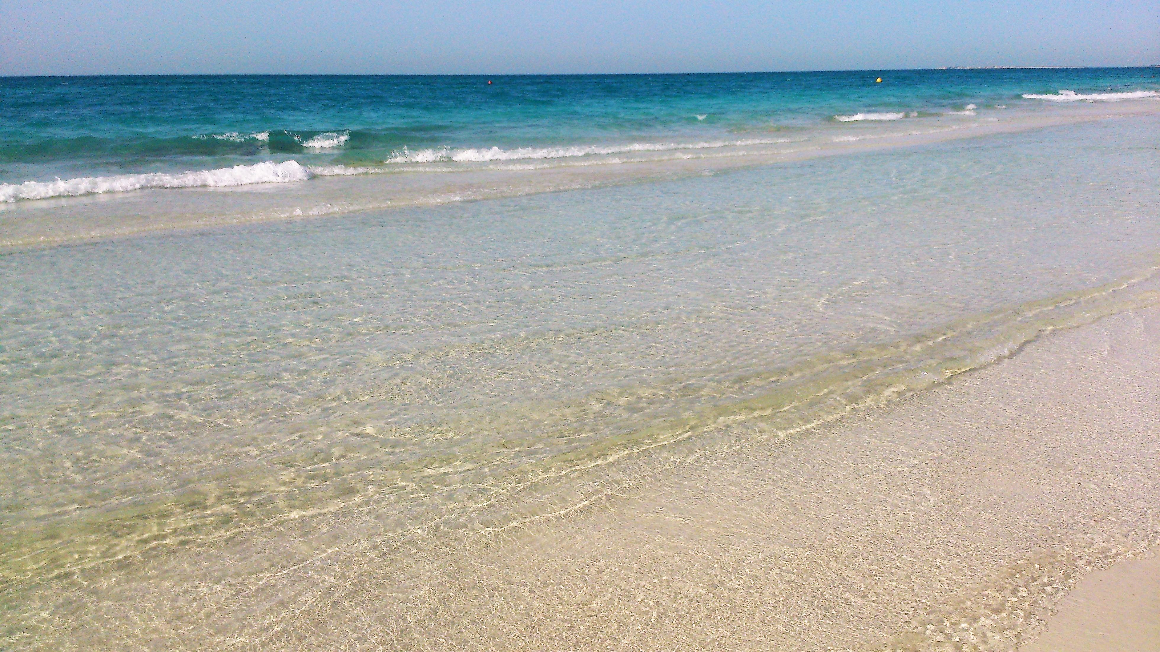 cristal-clear-water-at-saadiyat-beach